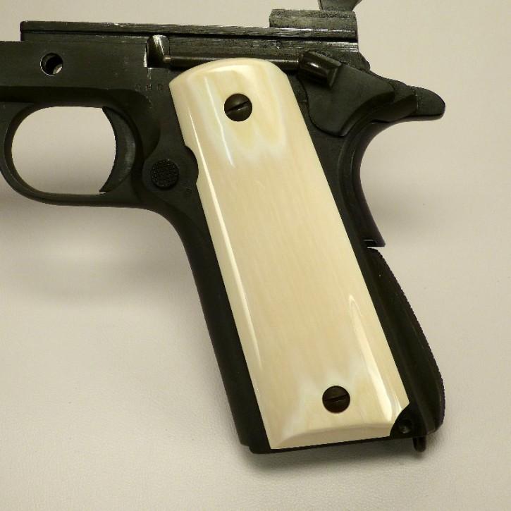 Griffschalen für Pistolen und Revolver