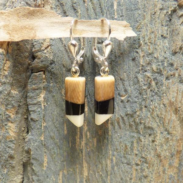 Mammut-Ohrringe mit heller Spitze