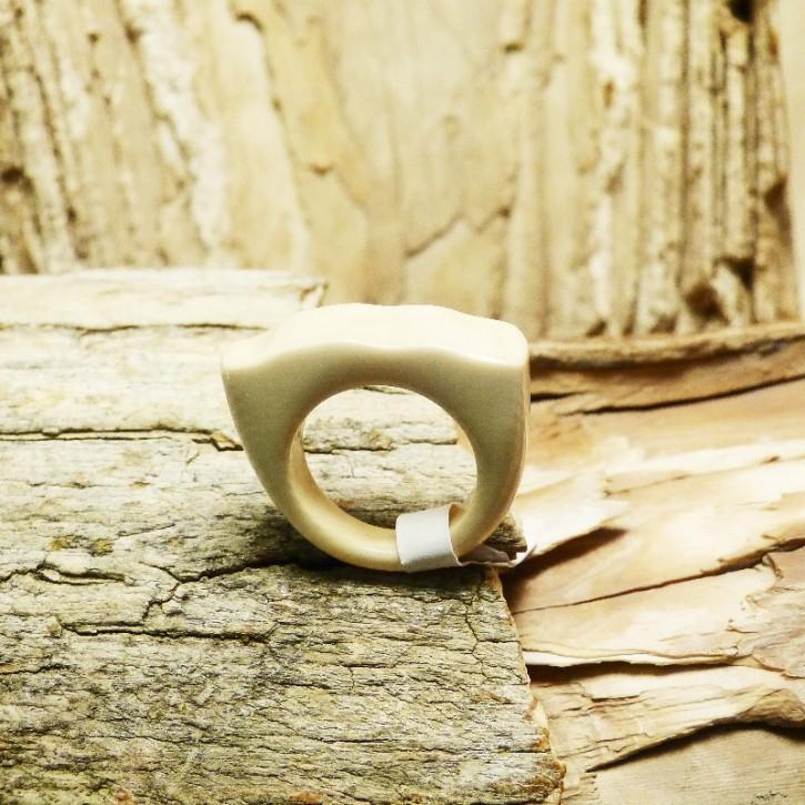 Mammut-Ring hell mit gewellter Oberfläche W15,5 bis 16,5