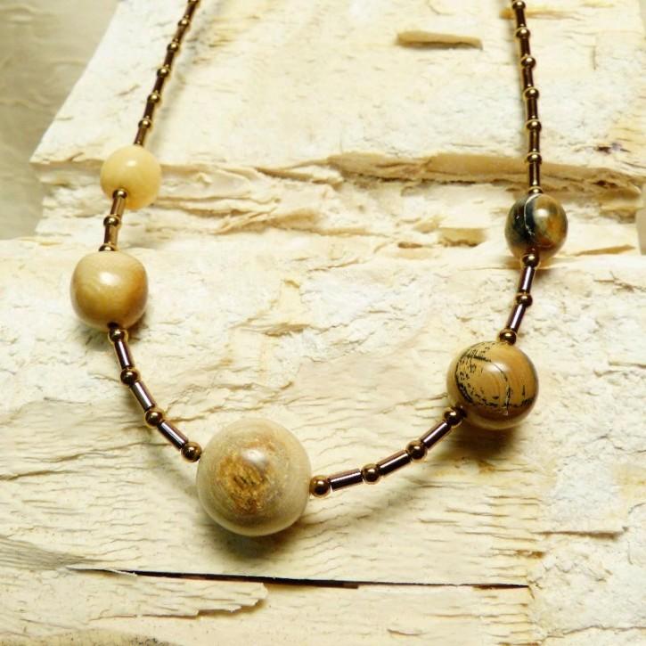 Collier mit handgeschliffenen Mammut-Perlen