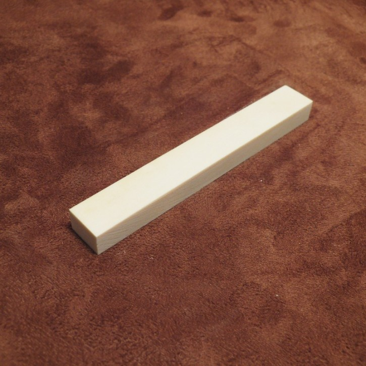 Kasein-Zuschnitte ca. 110 x 14 x 10 mm