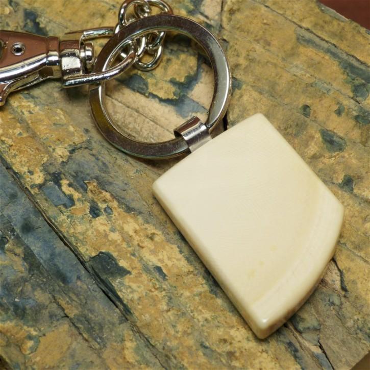 Schlüsselanhänger aus hellem, massivem Mammutelfenbein