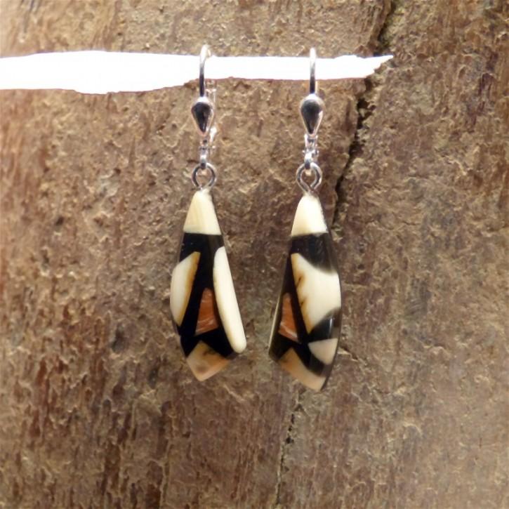 Mammut-Ohrhänger mit Koralle