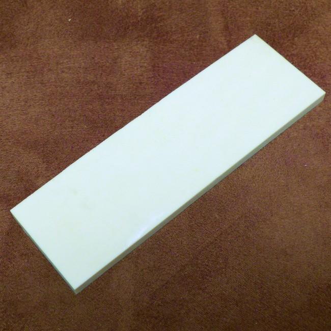 Kasein-Platte ca. 125 x 40 x 5,5-6 mm