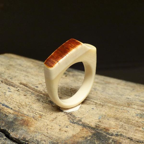 Mammut-Ring mit brauner Rinde W16,8