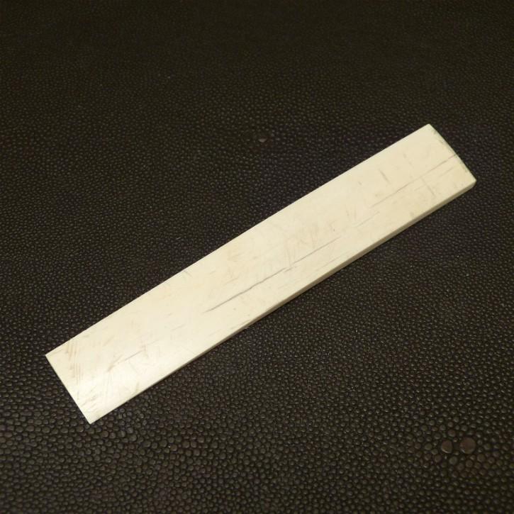 Platte mit gewölbter Oberfläche L ca. 119, B ca. 19,5mm