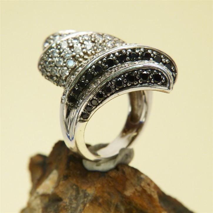 auffälliger Silberring schwarz/weiß
