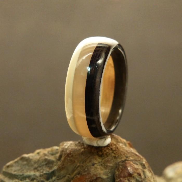 Ring 3-farbig Mammut/Horn/Horn W 18,5-19