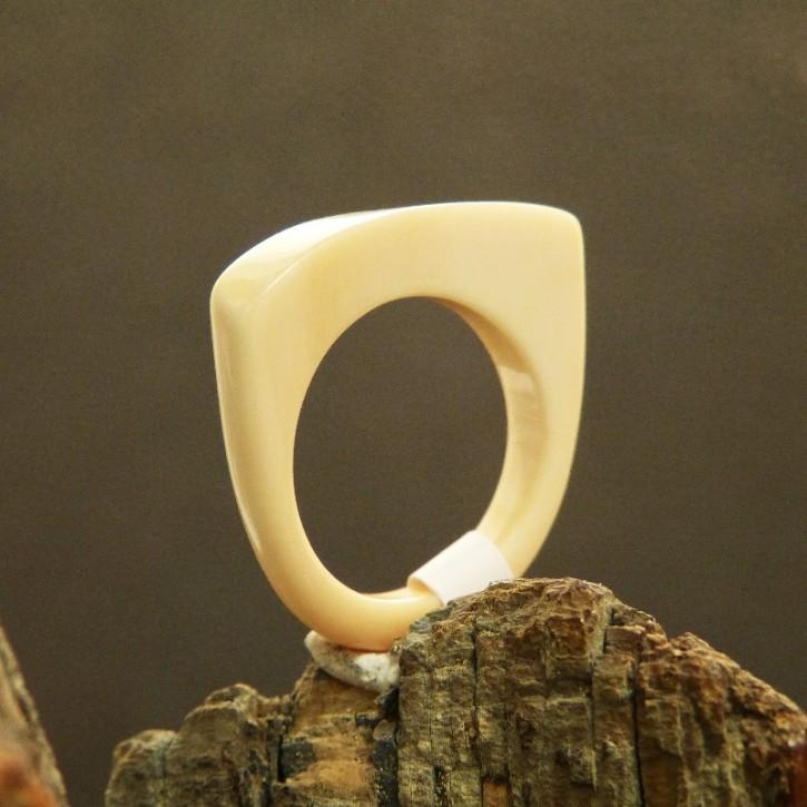 kantiger Ring W18,5