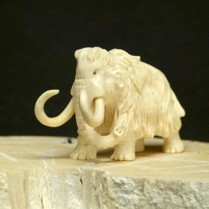 kleines Mammut mit Fell