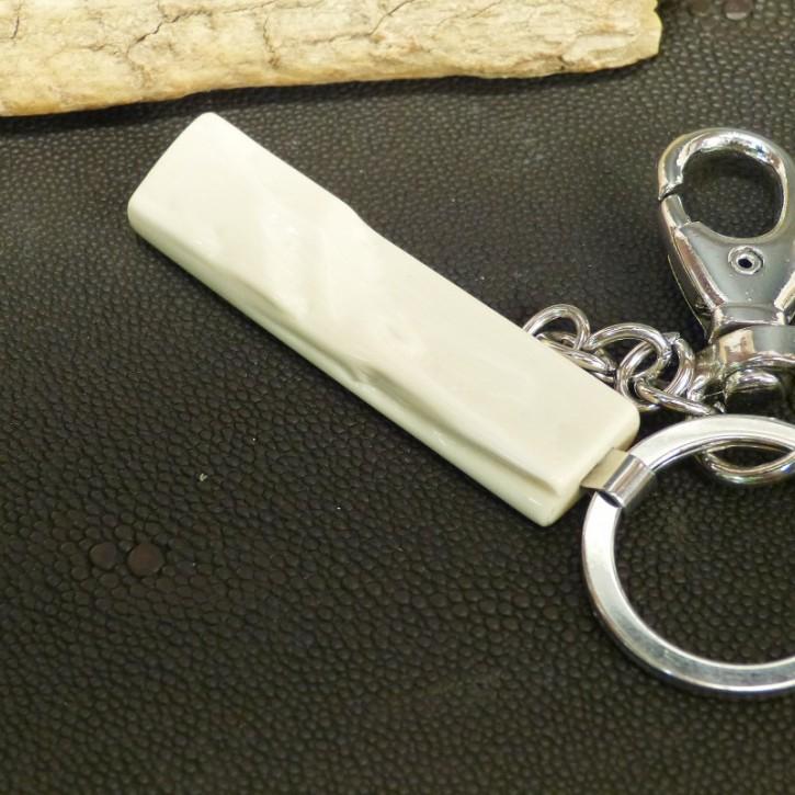 Schlüsselanhänger mit natürlicher Bruchkante