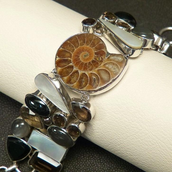 auffälliges Silberarmband mit Ammonit und Rauchtopas