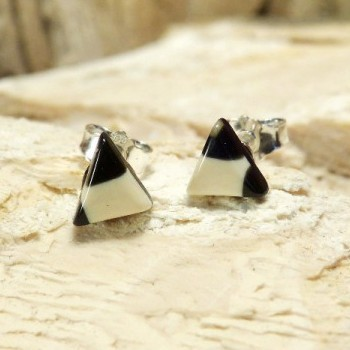 kleine Dreieckohrstecker schwarz/weiß
