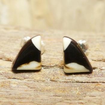 kleine Dreieck-Ohrstecker schwarz/weiß