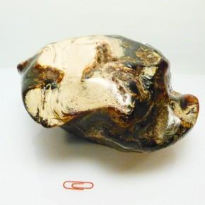Bernstein poliert, Gewicht 1610 Gramm