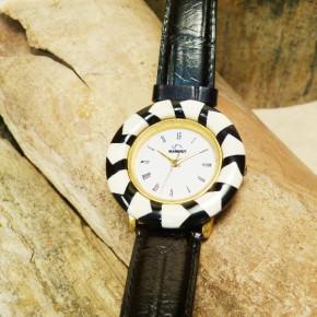 Mammut-Armbanduhr groß