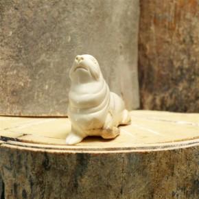 Seelöwe aus Mammut-Elfenbein