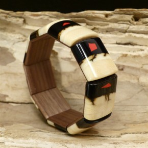 Mammut-Armband mit Koralle