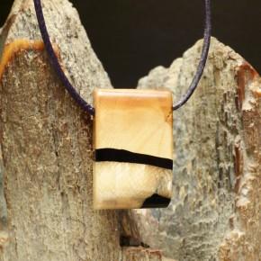 brauner Mammut-Anhänger schön gemasert