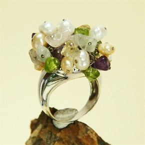 Silberring mit echten Steinen