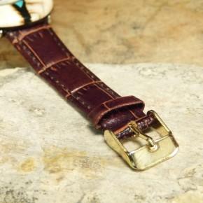 Mammut-Uhr mit Türkis