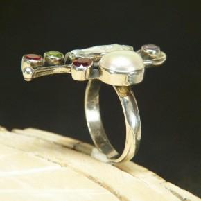 Silberring mit Perlen und echten Steinen W 19,1