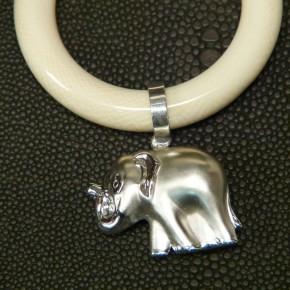 Beißring mit Silberanhänger