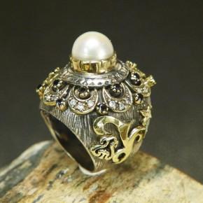 pompöser Silberring mit Weißtopas und Granat W18,4