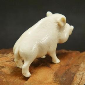 Wildschwein aus Mammut-Elfenbein