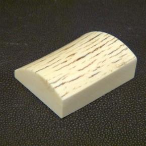 Schalstück mit natürlicher Oberfläche ca. 47,5x37,5x16,5-15,5mm