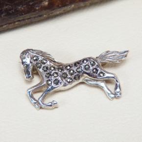 Silberbrosche Pferd mit Markasit