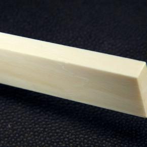 Mammut-Platte mit Riss ca. 69 x 17,5 x 6,3mm