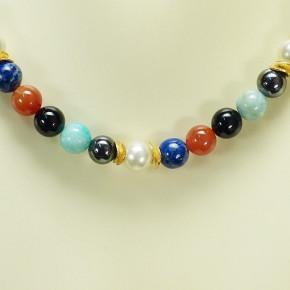 Multisteinkette mit Perlen