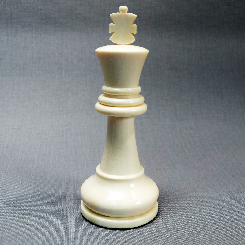 König Elfenbein Weiß