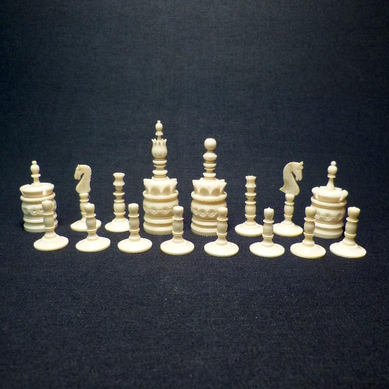 Schach Rot-weiß Bein1