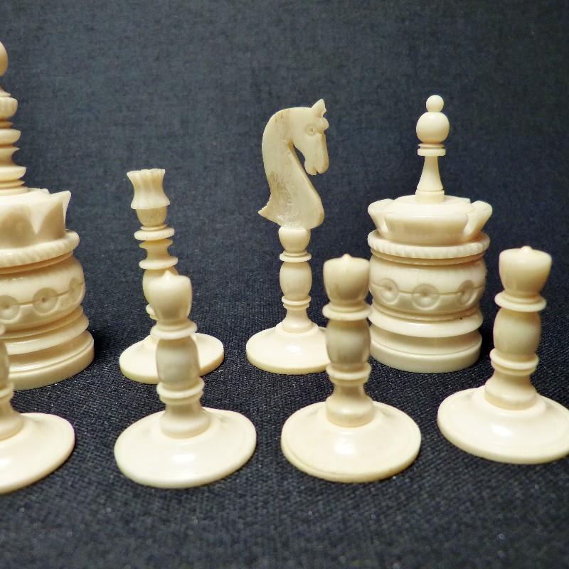 Schach Rot-weiß Bein9