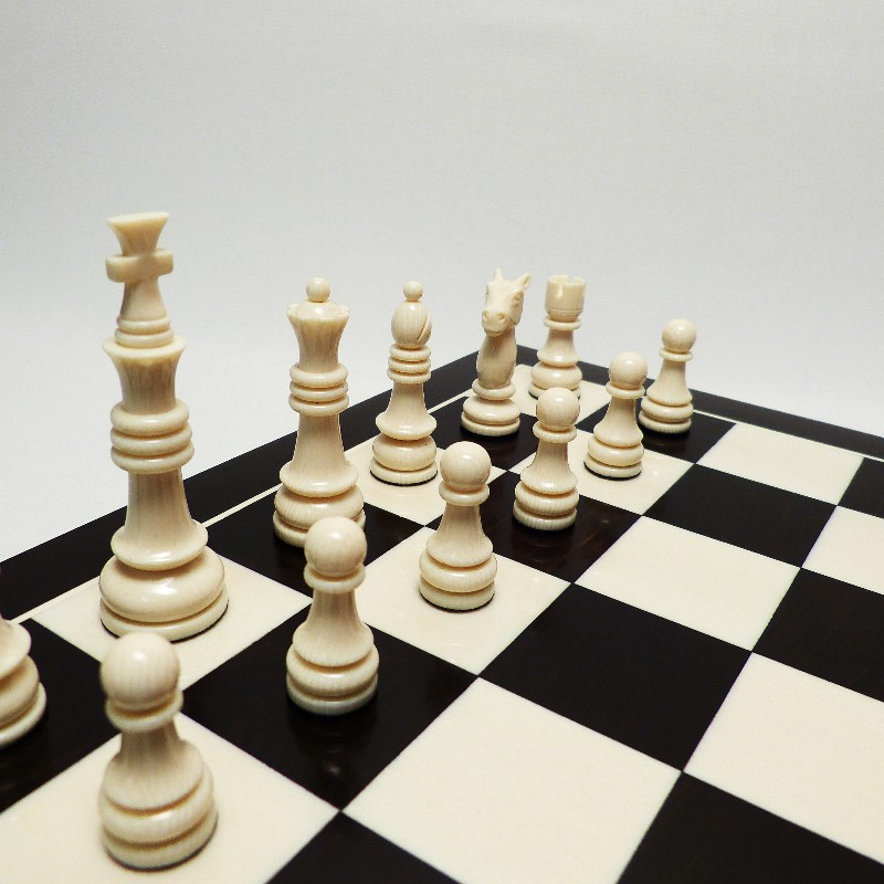 Schachfiguren Mit Brett2