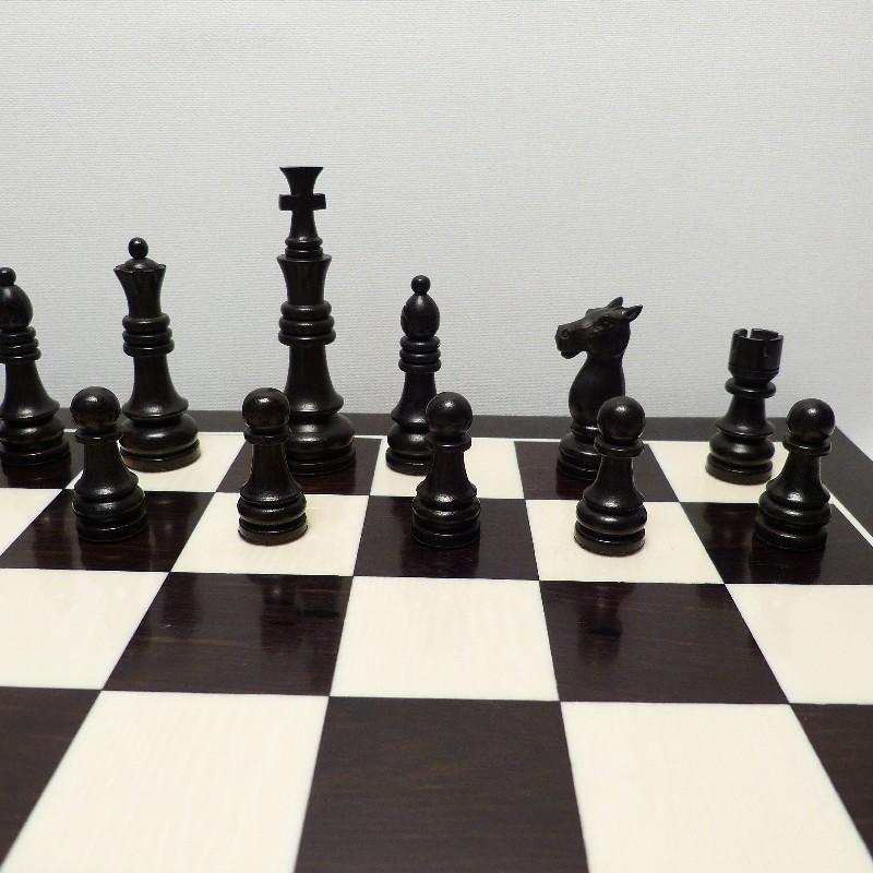 Schachfiguren Mit Brett3