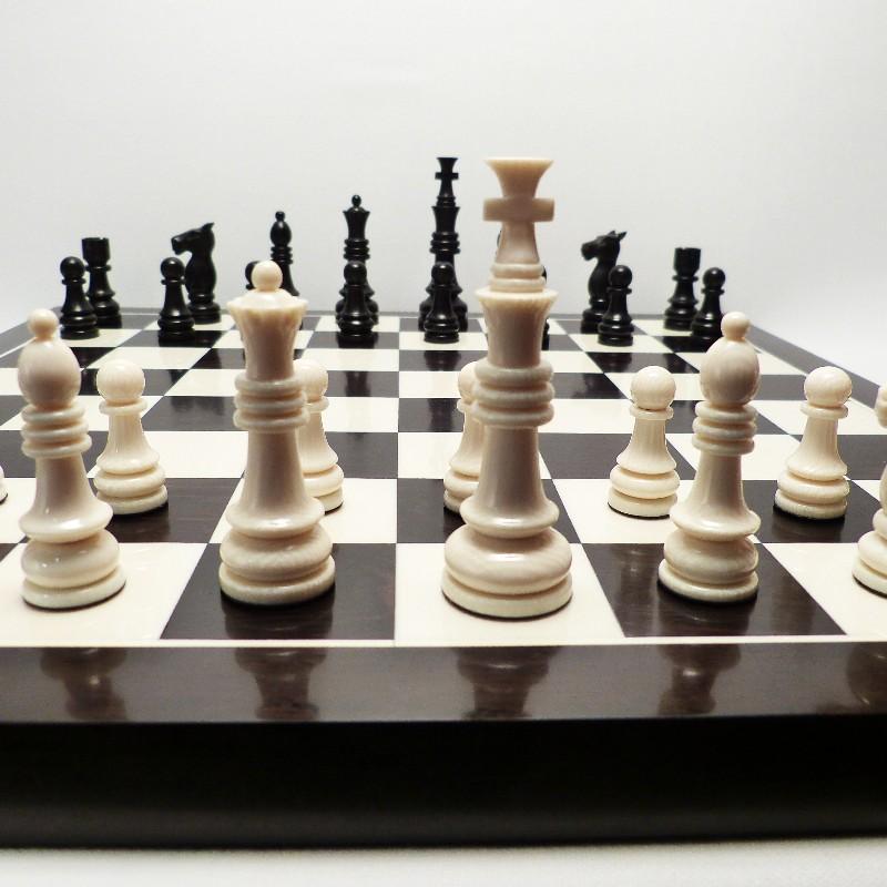 Schachfiguren Mit Brett5