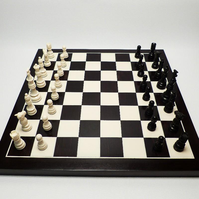 Schachfiguren Mit Brett7