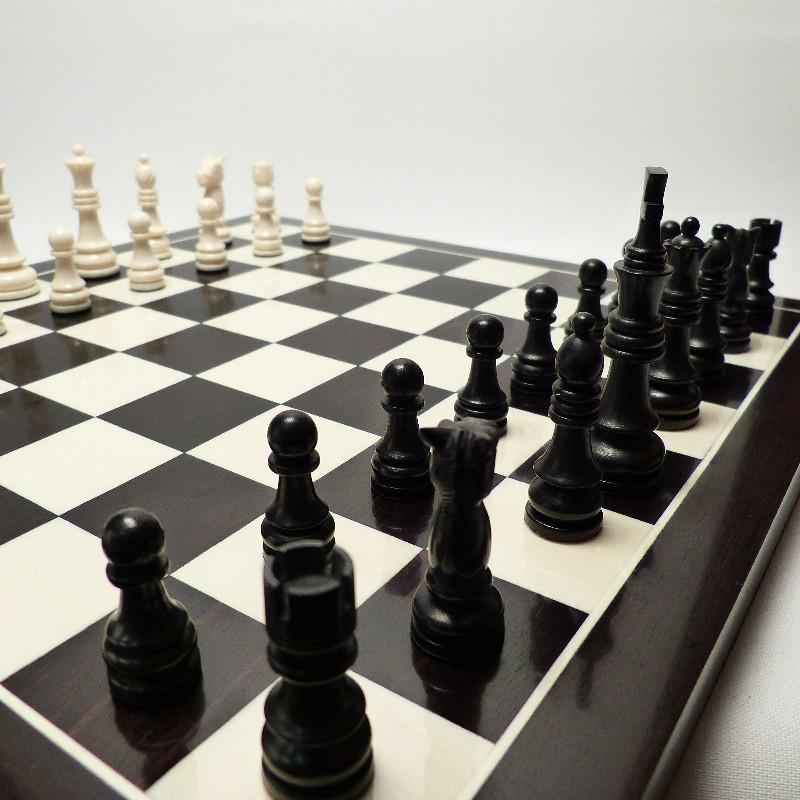 Schachfiguren Mit Brett9