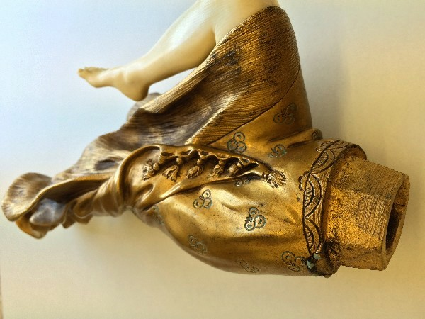 Unterkörper mit Fuß
